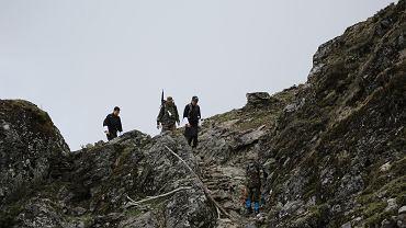 Król Bhutanu przemierzył szlaki górskie, aby spotkać się ze swoimi podwładnymi