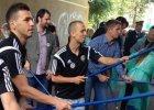 Piłkarze Śląska zamalowywali obraźliwe hasła na murach jednej z wrocławskich ulic