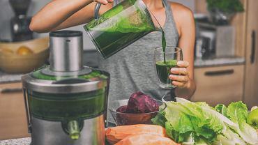 Zielone koktajle są bardzo zdrowe. Zdjęcie ilustracyjne