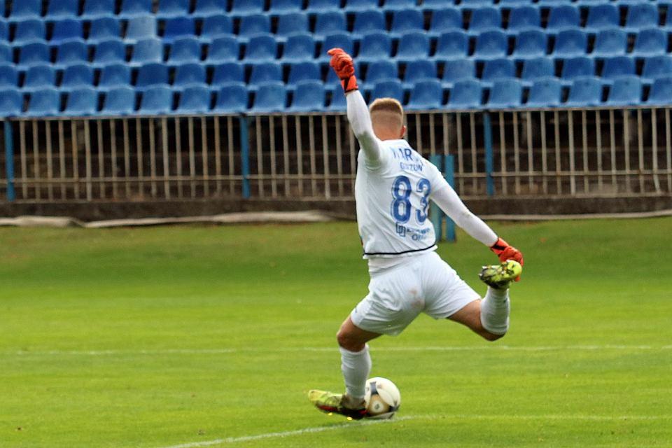 Zdjęcie numer 4 w galerii - Piąty ligowy wyjazd piłkarzy Warty Gorzów i trzeci komplet punktów