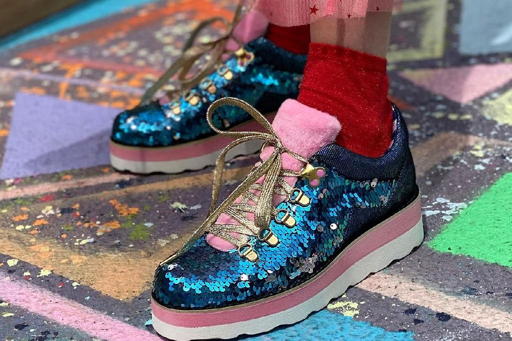 ugly shoes, zdjęcie ilustracyjne