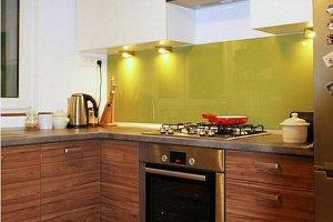 Metamorfoza wnętrz: okiełznane kolory w kuchni i łazience