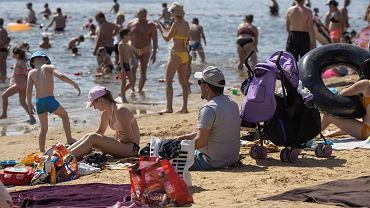 Covid-19 może pokrzyżować plany Polaków na wakacje