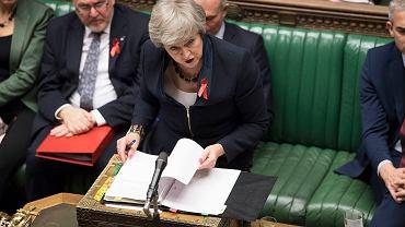 28.11.2018, Londyn, premier Theresa May odpowiada na pytanie w brytyjskiej Izbie Gmin.