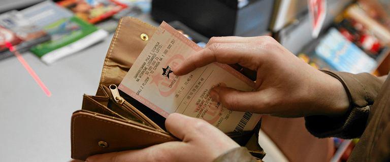 """Kobieta nie wiedziała, że wygrała w Lotto. """"Nosiłam w portfelu 33 mln euro"""""""