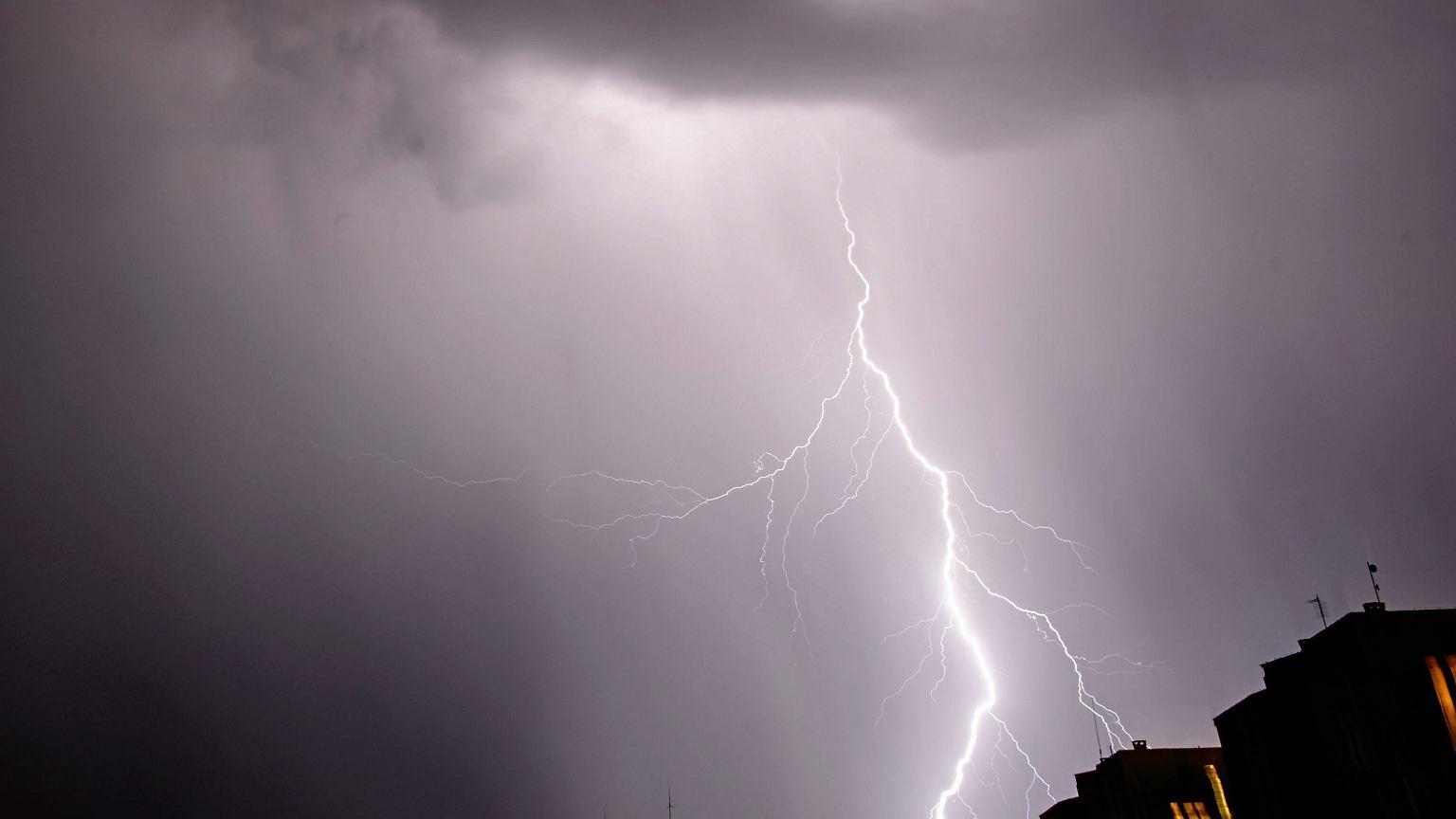 Gdzie jest burza? Deszcz i burze pojawi
