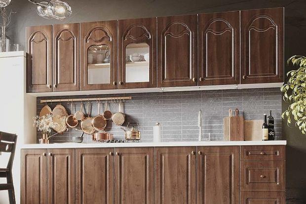 Jak połączyć funkcjonalność i estetykę w kuchni - odpowiednie fronty kuchenne przyjdą ci z pomocą