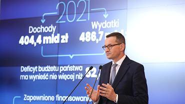 Premier Mateusz Morawiecki podczas konferencji prasowej na temat budżetu na 2021 r.