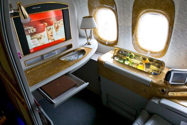 Pierwsza klasa w samolocie Boeing 777-300 ER linii Emirates