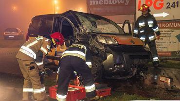 Wypadek taksówki na rondzie w Oleśnicy / Oleśnica998