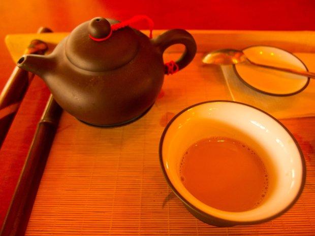 Herbata z mlekiem jaka w Buddha Parku na Węgrzech