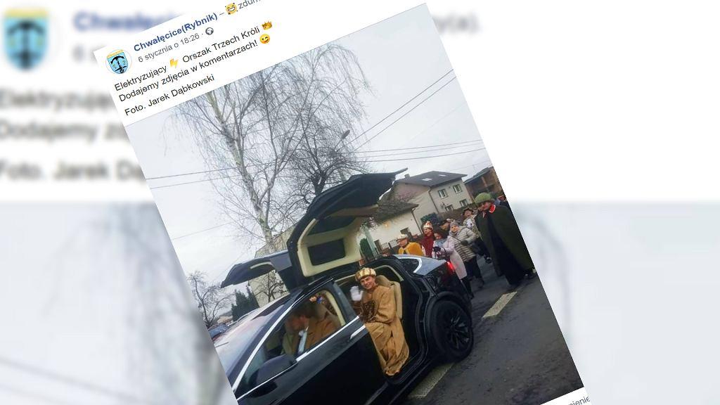 Tesla na Orszaku Trzech Króli w Chwałęcicach w Rybniku