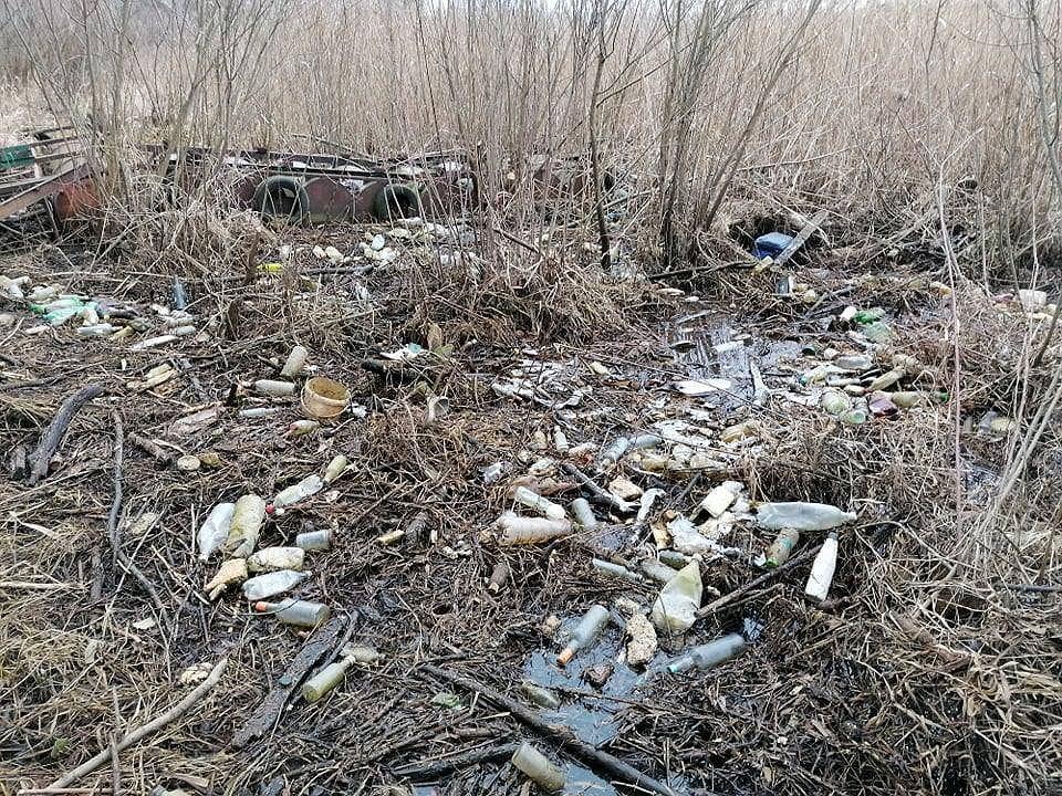 Zdjęcie numer 16 w galerii - Przerażający widok. Na brzegach pięknych beskidzkich jezior leżą tony śmieci [ZDJĘCIA]