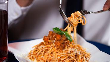 Spaghetti bolognese to nie włoskie danie? 'To dziwne być znanym na całym świecie z potrawy, która nie jest nasza' - skomentował burmistrz Bolonii w rozmowie z The Telegraph