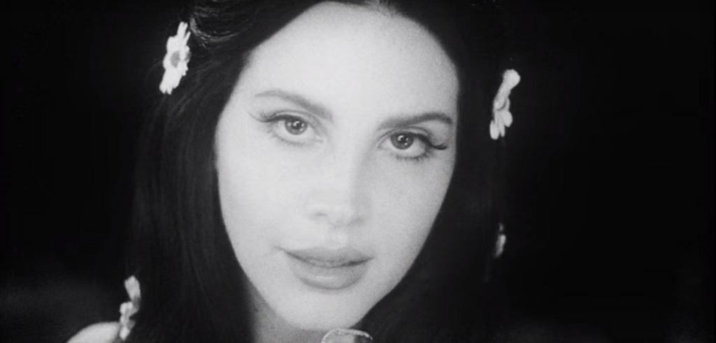 Lana del Rey w teledysku do utworu 'Love' / screen z YouTube