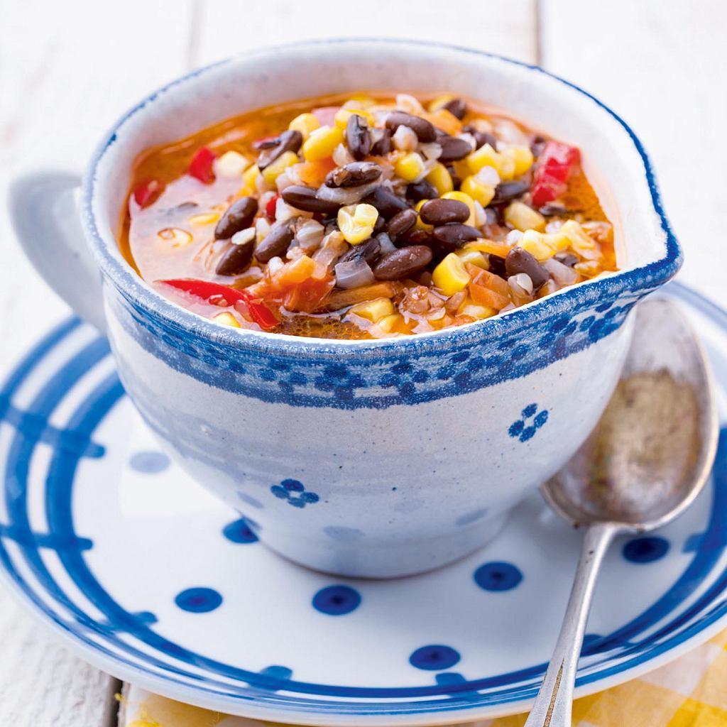 Zupa czerwoną fasolą i zpęczakiem