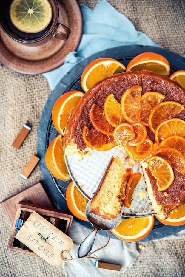 Ciasto z pomarańczami - idealny deser do zimowej herbaty. 7 przepisów, których przygotowanie nie zajmie ci dużo czasu