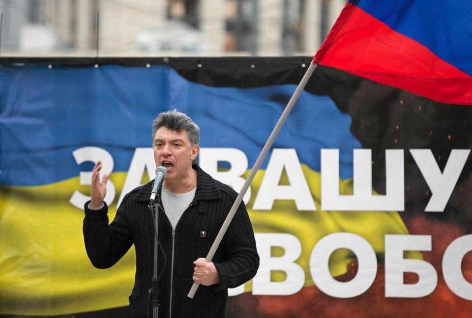 - Putin to psychicznie chory człowiek, który postanowił przejść do otwartej dyktatury - mówił do zebranych ze sceny jeden z organizatorów manifestacji, były wicepremier i lider opozycyjnego ruchu Solidarność Borys Niemcow.