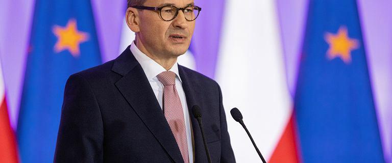 Morawiecki chwali Dudę: To dzięki niemu podatki są najniższe w Polsce
