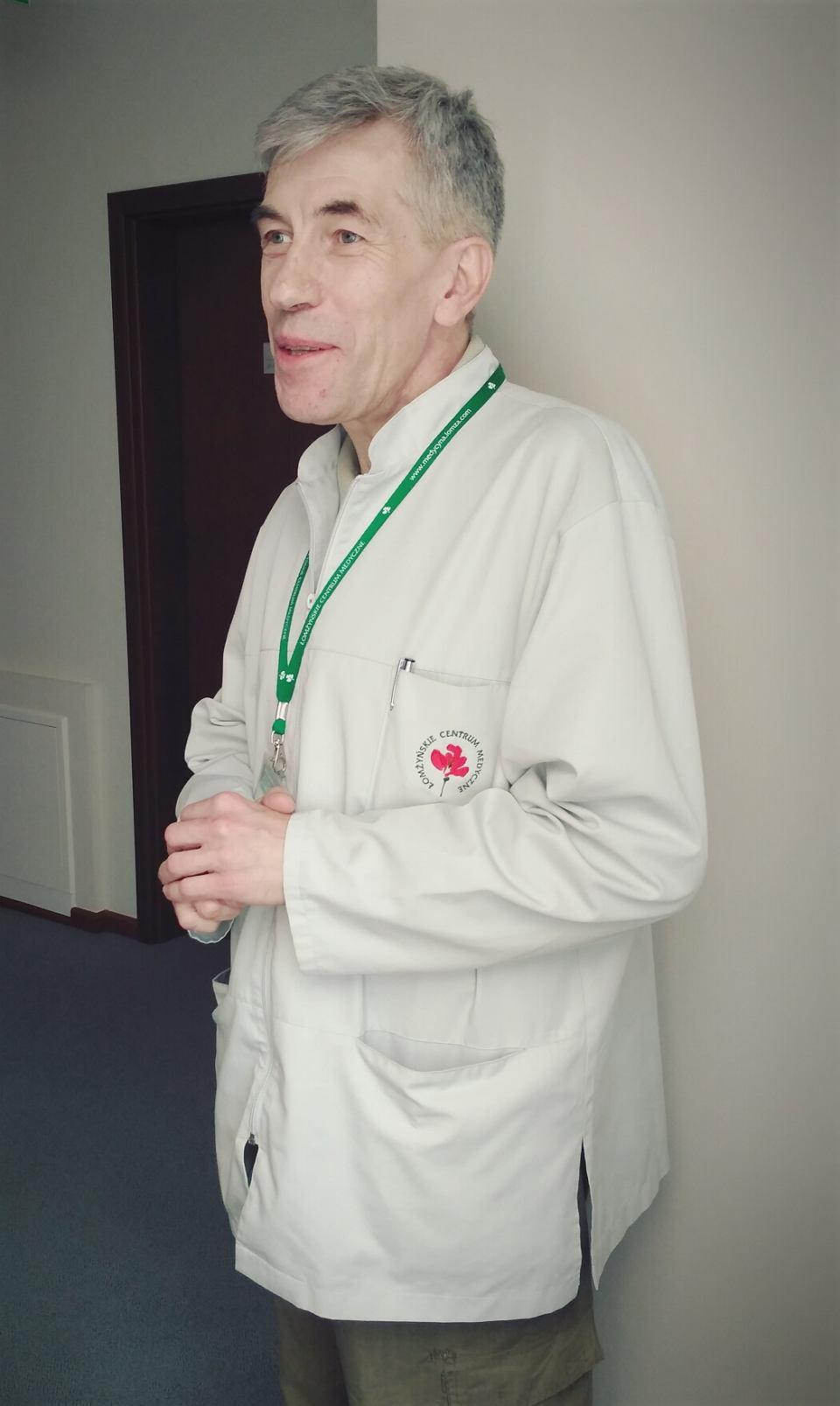 Doktor Wojciech Augustyn Bąkowski specjalista reumatolog, współpracuje z Łomżyńskim Centrum Medycznym; nominowany do Nagrody Kanigowskiego
