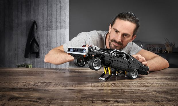 Dodge Charger Dominica Toretto z 'Szybkich i wściekłych' z LEGO