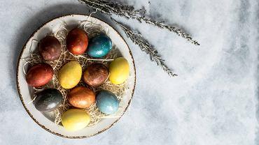 pisanki - naturalne farbowanie jajek wielkanocnych.