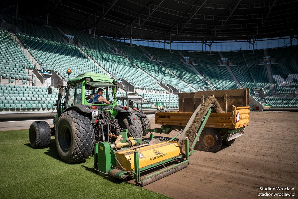 W sierpniu na wrocławskim stadionie zaplanowano wymianę całej murawy. Koszt 600 tys. zł.