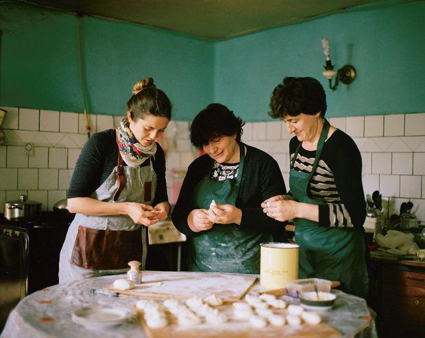 Kuchnia Kaukazu. W kulinarną podróż po kuchni gruzińskiej zabiera nas Olia Hercules