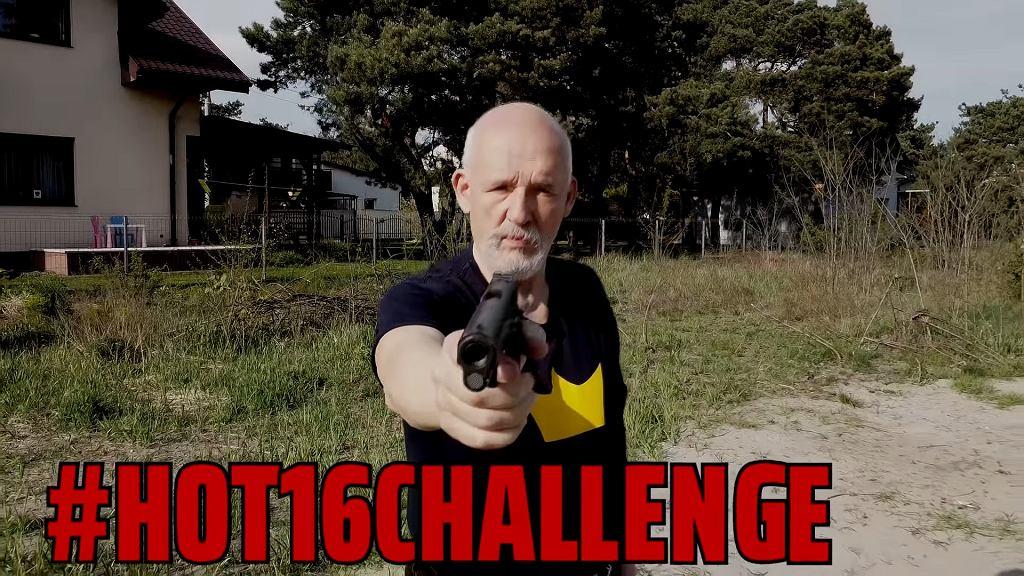 Janusz Korwin-Mikke wziął udział w wyzwaniu #hot16challenge2. 'Jestem rapu Bogiem'