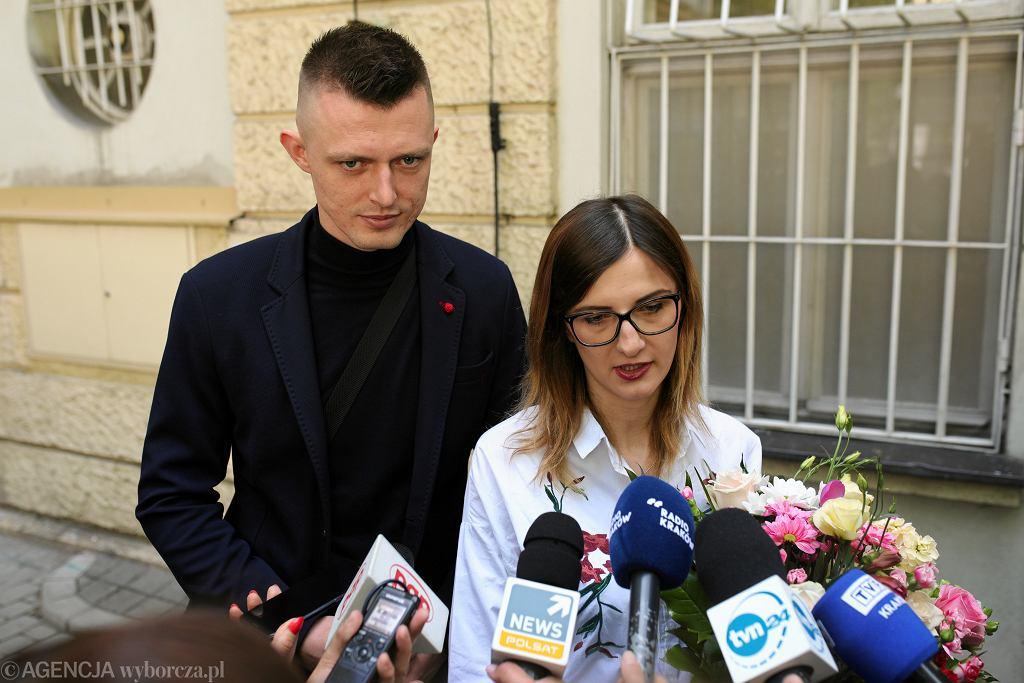 Województwo małopolskie chce pomóc rodzicom sześcioraczków. Da im 100 tys. zł