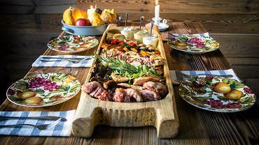 Korytko z grilowanymi warzywami i kilkoma rodzajami mięsa - specjalnosc restauracji Sielsko Anielsko. Lublin, 22 listopada 2016
