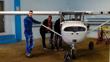 Zajęcia praktyczne w Lotniczych Zakładach Naukowych
