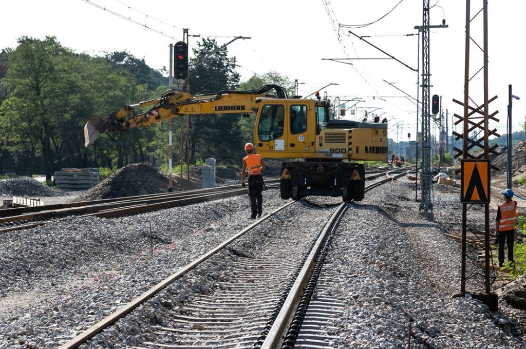 Modernizacja linii kolejowej nr 7 między Warszawą i Lublinem. Roboty w okolicach Otwocka