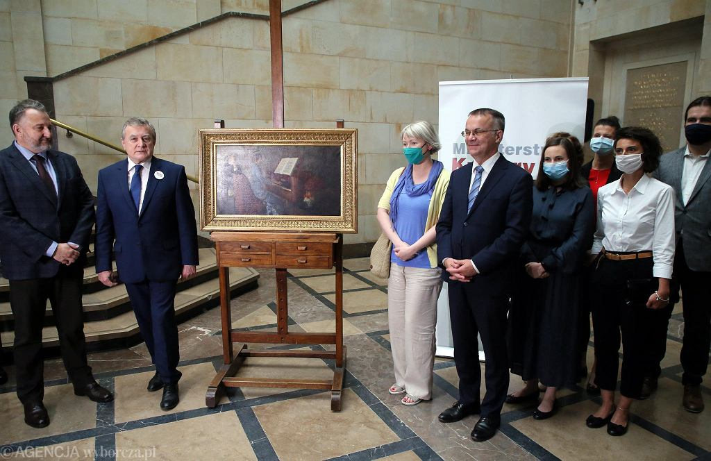 Odzyskany obraz 'Przy fortepianie' Jacka Malczewskiego uroczyście przekazano Muzeum Narodowemu w Warszawie