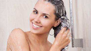 Mycie włosów metodą OMO