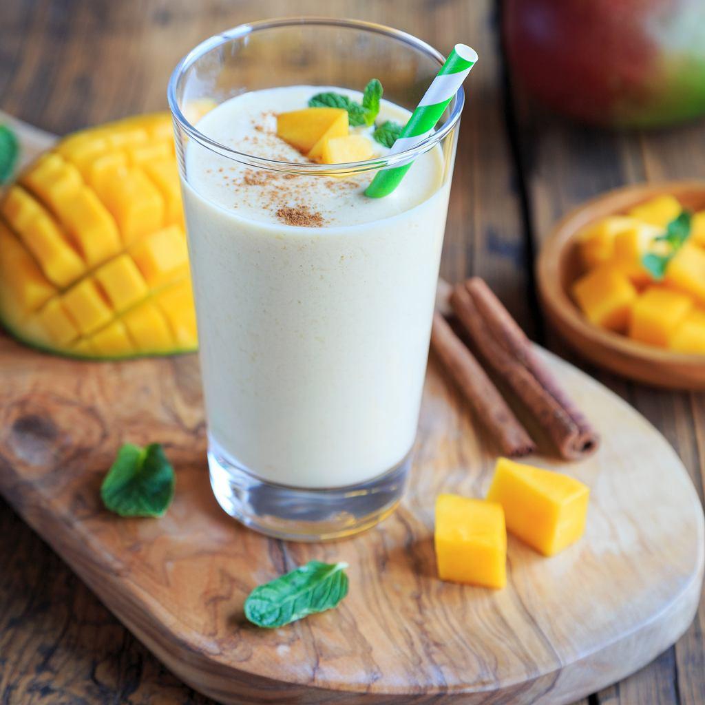 Lassi z mango i z cynamonem