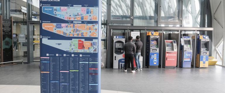 Wypłacasz pieniądze w bankomacie? NBP zezwolił na użycie nowych banknotów