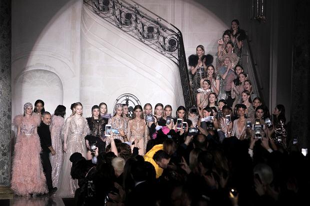 Moda na każdą kieszeń? Wybrałyśmy wiosenne trendy z sieciówek
