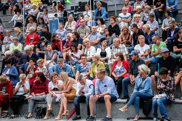 Zdjęcie numer 0 w galerii - Maciej Wilewski w amfiteatrze nad Brdą. Dużo śmiechu w pochmurny dzień [FOTORELACJA]