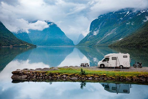 Mimo niedogodności caravaning ma jednak zdaniem kamperowiczów więcej blasków niż cieni (fot: Shutterstock.com)