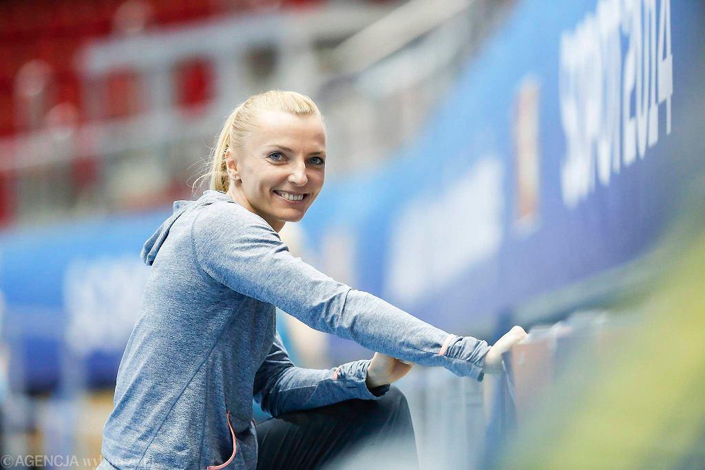 Tyczkarka Anna Rogowska będzie jedną z polskich faworytek do medalu podczas halowych mistrzostw świata, które w dniach 7-9 marca odbędą się w Sopocie w Ergo Arenie. Jej przewagą nad rywalkami będzie znajomość hali, w której odbędą się zawody. W środę zawodniczka SKLA Sopot zaprosiła na swój trening w Ergo Arenie. I pokazała, że jest w naprawdę dobrej formie. Zapraszamy do obejrzenia galerii zdjęć z treningu Anny Rogowskiej