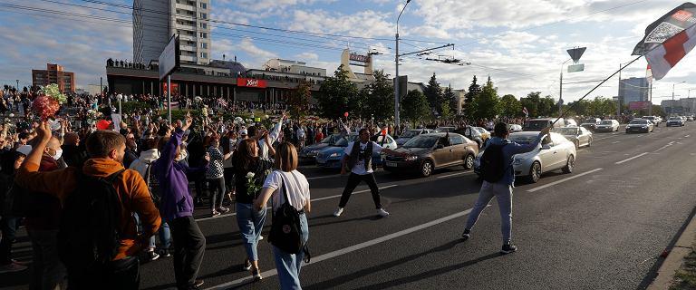 Piąty dzień protestów na Białorusi. Na razie nie widać OMON-u