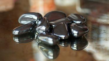 Hematyt to kamień o niezwykłych właściwościach.