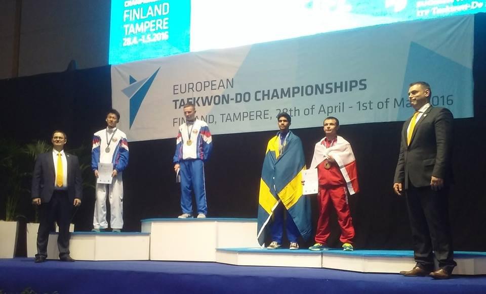 Tomasz Góra z Częstochowskiej Akademii Taekwon-do na trzecim stopniu podium mistrzostw Europy