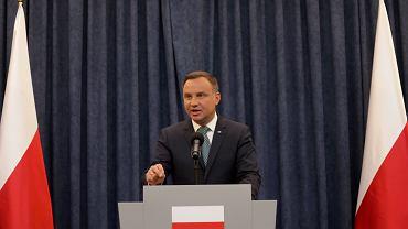 Prezydent wetuje ustawy o SN i KRS