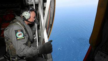 Poszukiwania zaginionego boeinga z pokładu singapurskiego samolotu ratowniczego