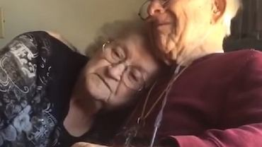 Na 70. rocznicę zaśpiewał dla niej wzruszającą piosenkę