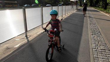 Dziecko na rowerze