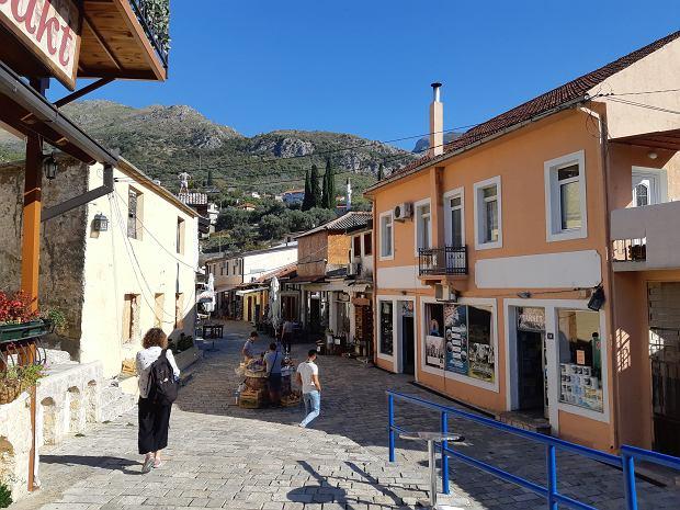 Urokliwa czarszija (dzielnica turecka) w Starym Barze