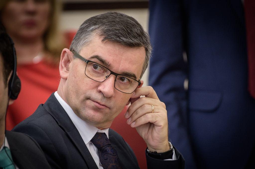 Ambasador RP w Niemczech Andrzej Przyłębski (prywatnie mąż Julii Przyłębskiej, która dzięki PiS kieruje Trybunałem Konstytucyjnym) podczas konferencji 'Tożsamość konstytucyjna'. Warszawa, 2 lutego 2018